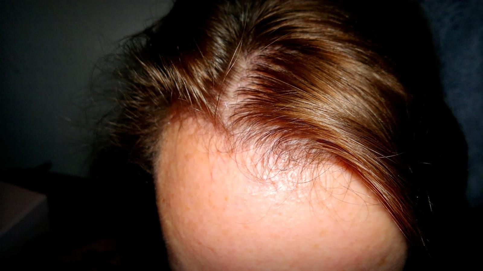 Die Maske für das Haar das Klettenwurzelöl und apfelsinen-